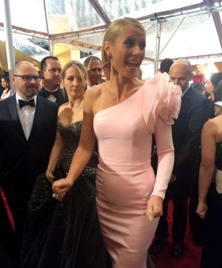 Pretty in Pink - findet Gwyneth Paltrow zumindest selbst