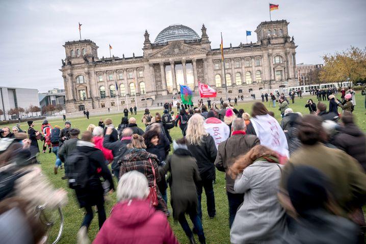 """Theateraktion """"Sturm auf den Reichstag"""" 2017"""