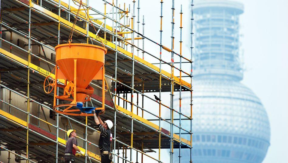 Baustelle in Berlin: Angst vor Börsenturbulenzen und erlahmender Weltwirtschaft