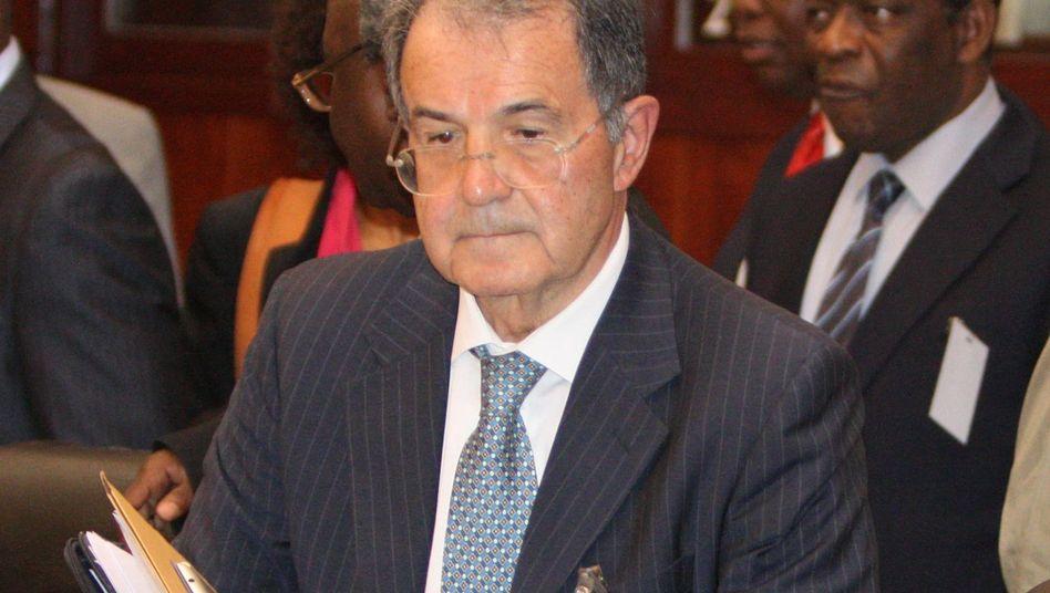 Kandidat Prodi (am Freitag bei einem Besuch in Mali): Mehrheit deutlich verfehlt