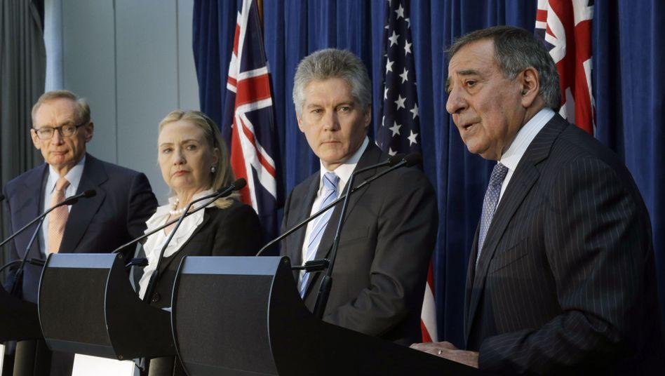 Australiens Außenminister Carr, US-Kollegin Clinton, Australiens Verteidigungsminister Smith und US-Kollege Panetta: Gemeinsame Weltraum-Überwachung