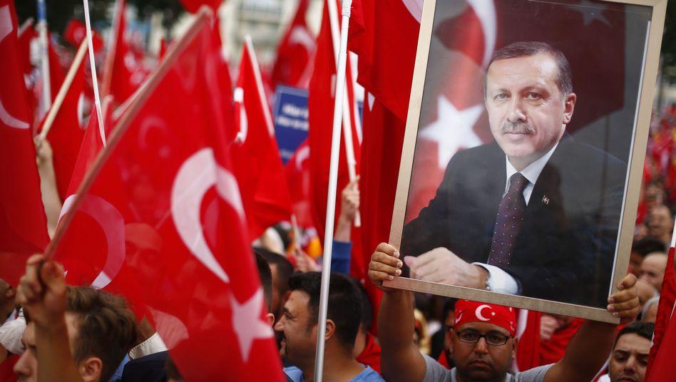 Erdogan-Anhänger in Köln (Archiv)