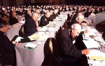 Rund 250 amerikanische Bischöfe berieten in Dallas den Umgang mit pädophilen Priestern