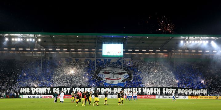 """Choreo in Magdeburg: """"Ihr denkt, es ist vorbei. Doch die Spiele haben erst begonnen."""""""