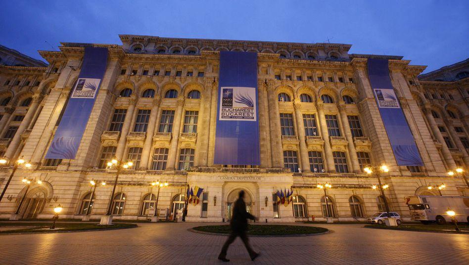Parlamentsgebäude in Bukarest: Die PNL ist eine der Regierungsparteien