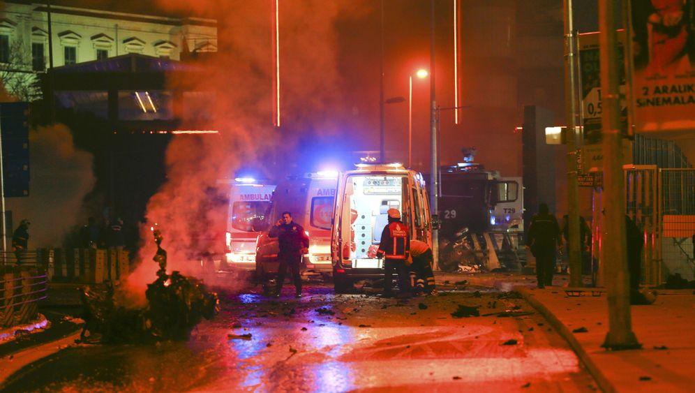 Istanbul: Explosionen beim Fußballstadion