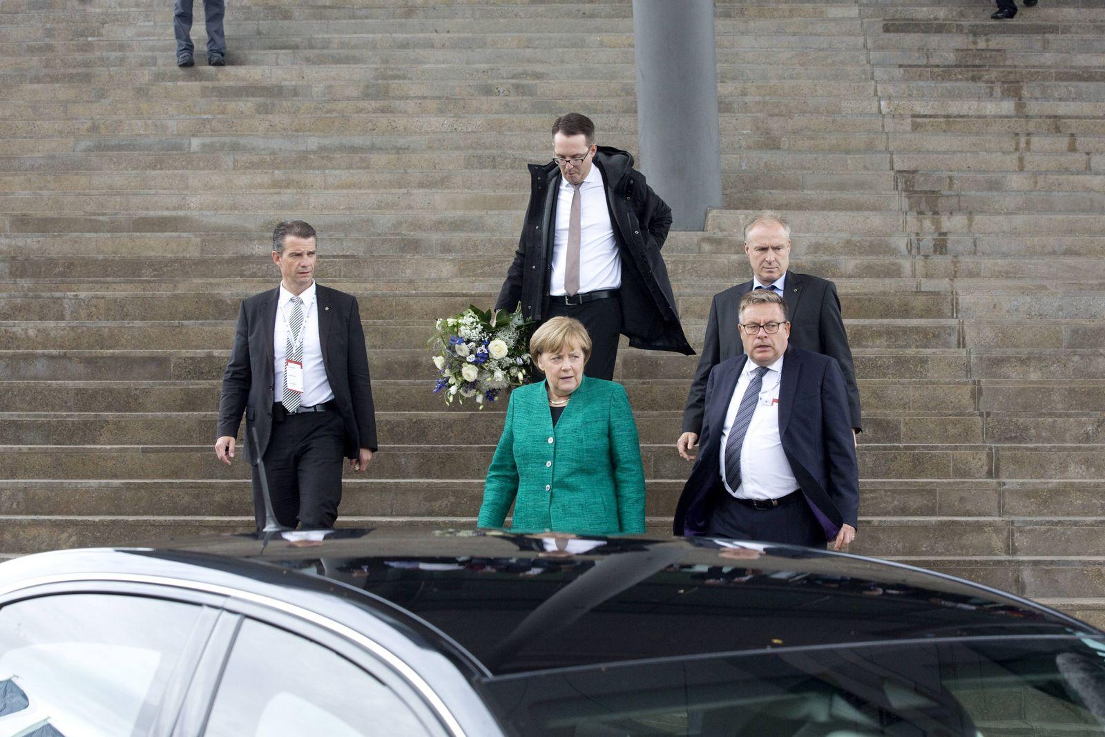 EINMALIGE VERWENDUNG SPIN SPIEGEL 42/2017 S.30 CDU Merkel