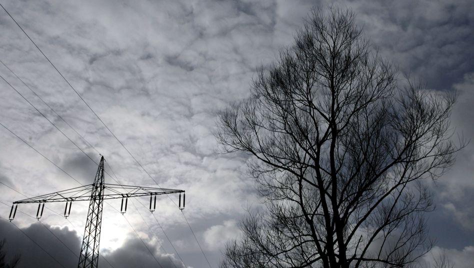 """Strommast in Iserlohn: """"Viele neue Anbieter bieten den Strom viel günstiger an"""""""