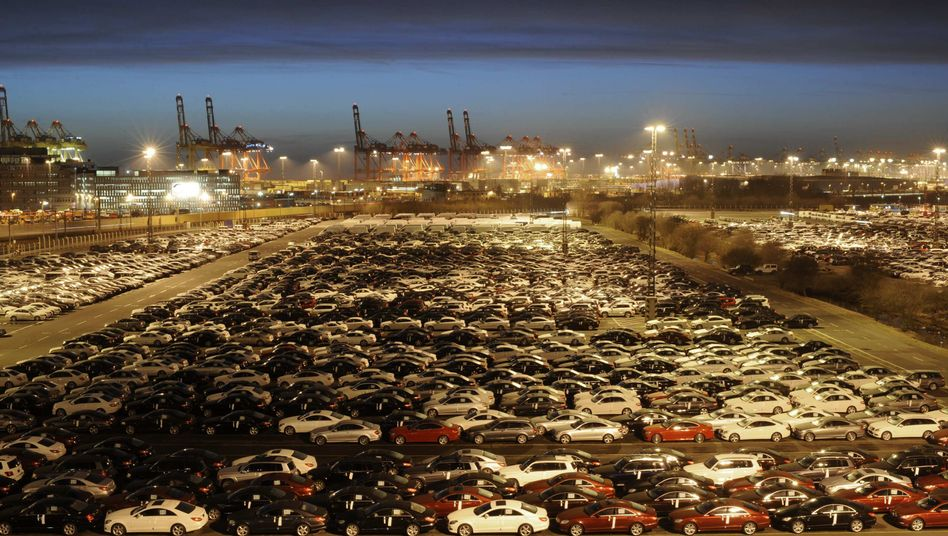 The German economy is still growing, but only barely. Here, the port of Bremerhaven.