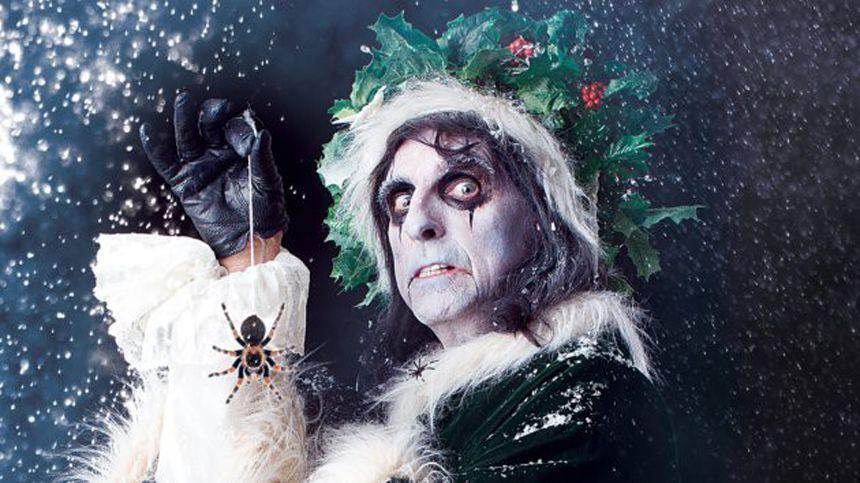 Seid ihr auch immer schön böse gewesen? Altrocker Alice Cooper buchstabiert den Weihnachtsmann im Song S-a-n-t-a-C-l-a-w-s