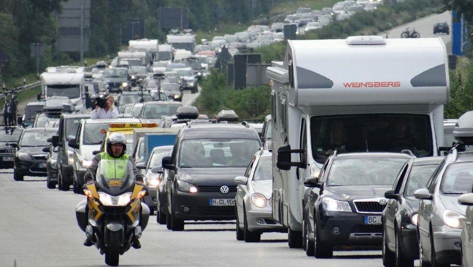 Autoclub lenkt ein: ADAC gibt ablehnende Haltung zu Tempolimit auf Autobahnen auf