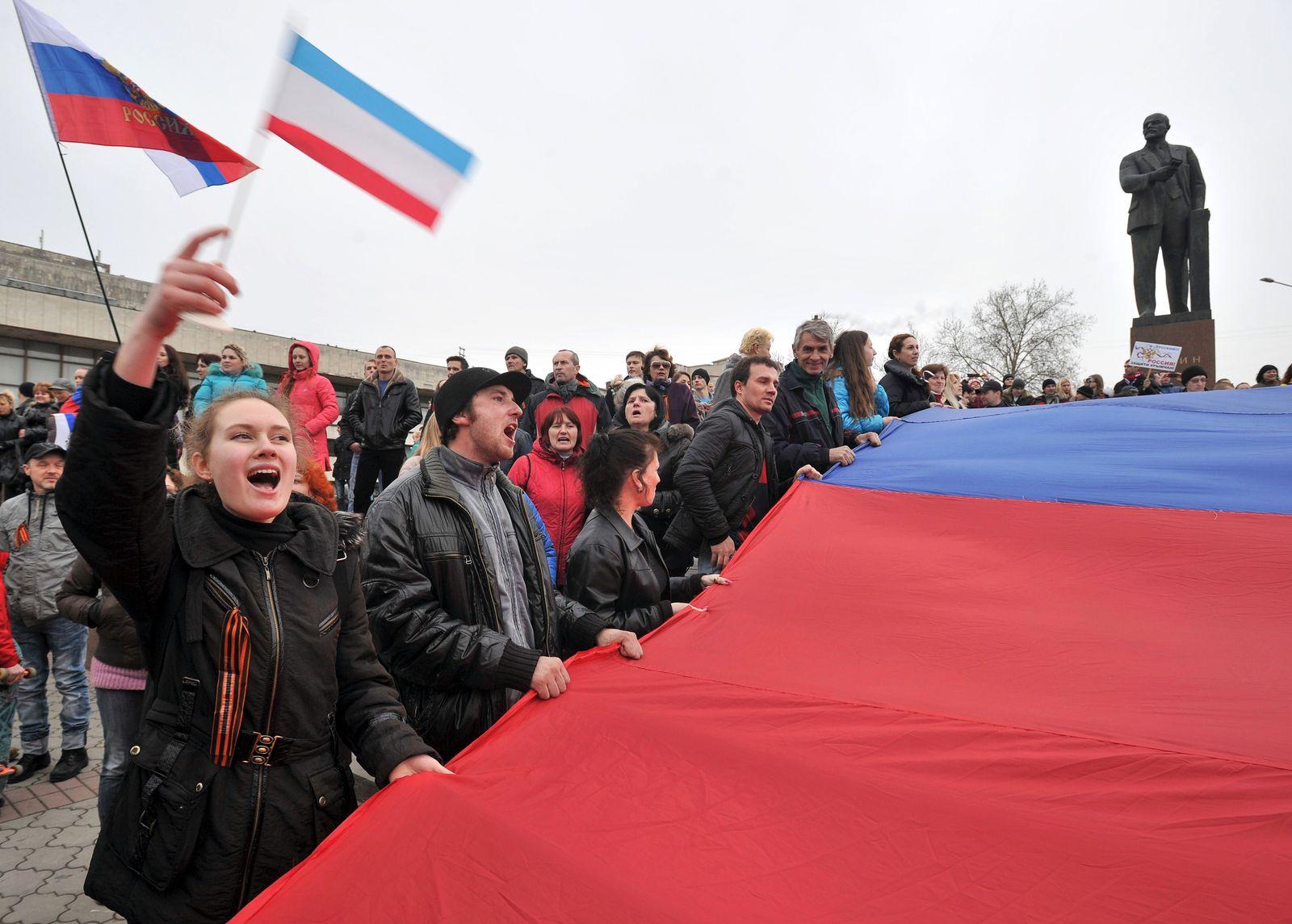 UKRAINE-UNREST-POLITICS-RUSSIA