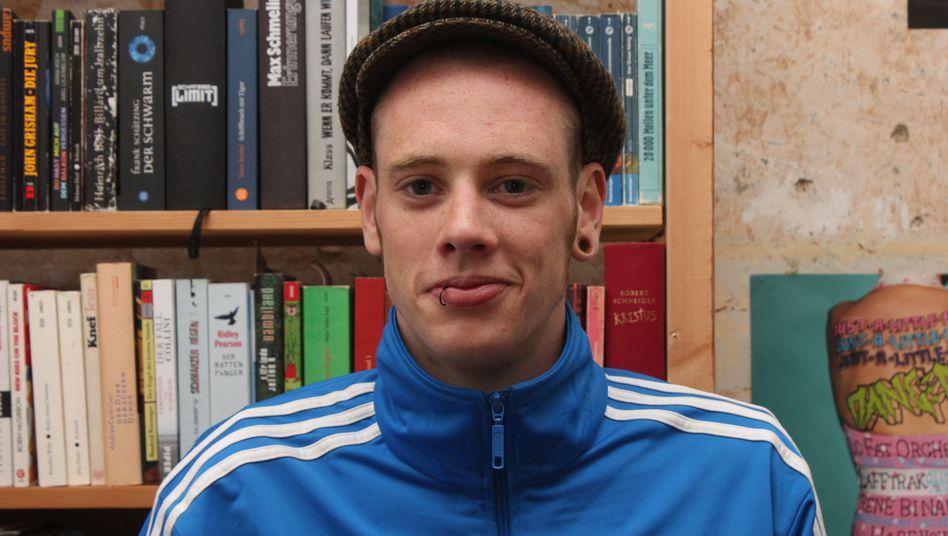 Joshua Vogel, 25, studiert Politik und Pädagogik an der Christian-Albrechts-Universität Kiel