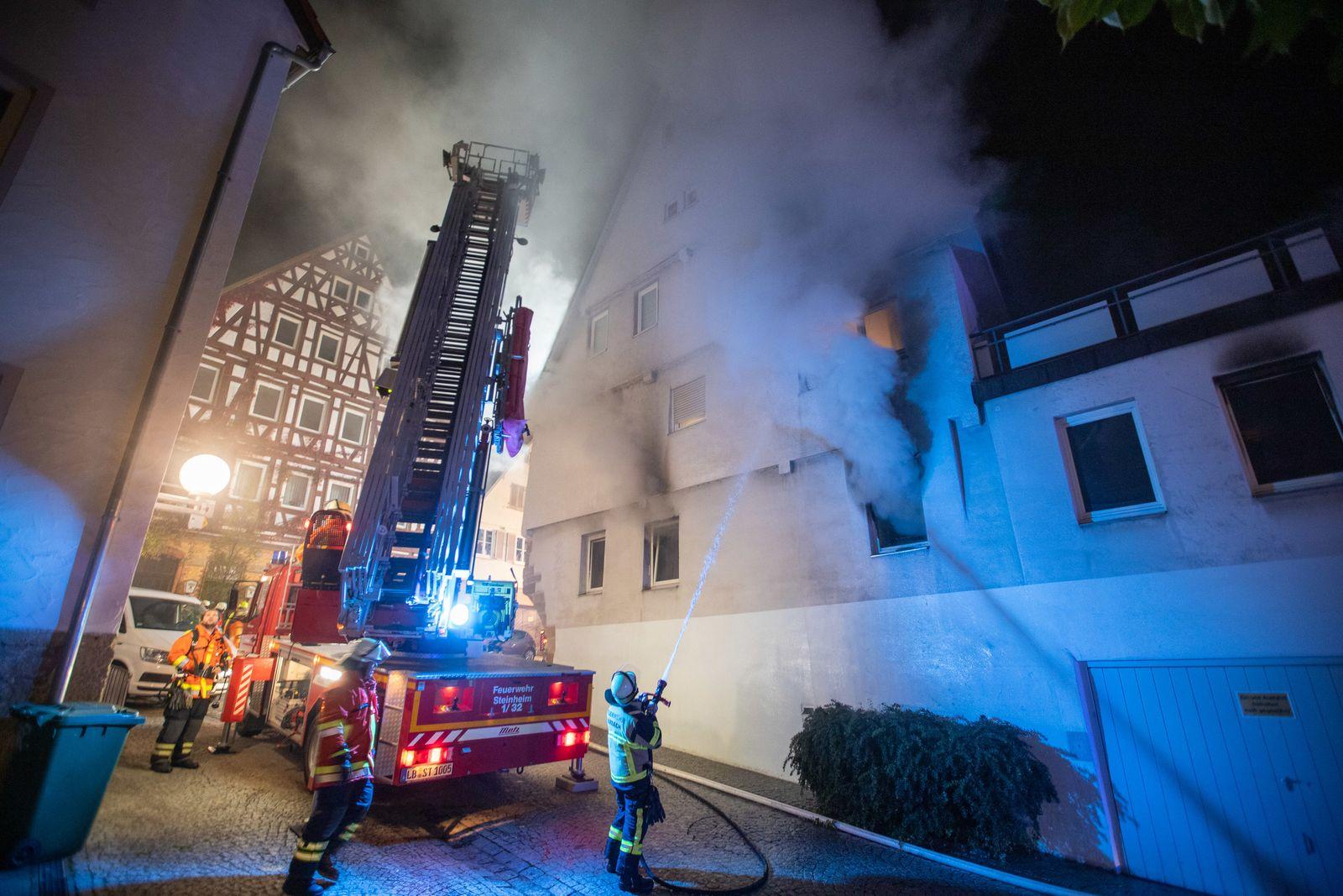 Wirrer Mann wirft Brandsätze in Marbach