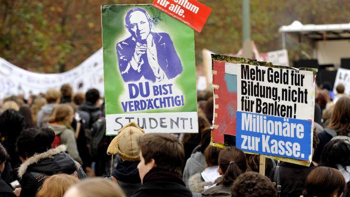 Studentenproteste: Roboter und Pappblockade