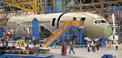 Dreamliner-Produktion: Serienfertigung stößt auf hohe Schwierigkeiten