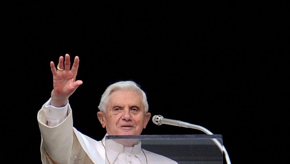 Papst Benedikt XVI. beim Angelus-Gebet: Kein Kommentar aus dem Vatikan