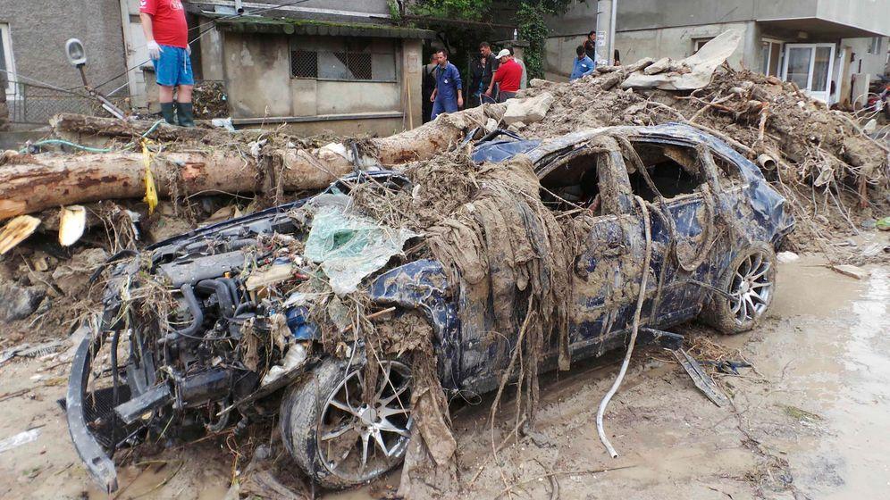 Überschwemmung in Bulgarien: Aufräumen nach dem Hochwasser