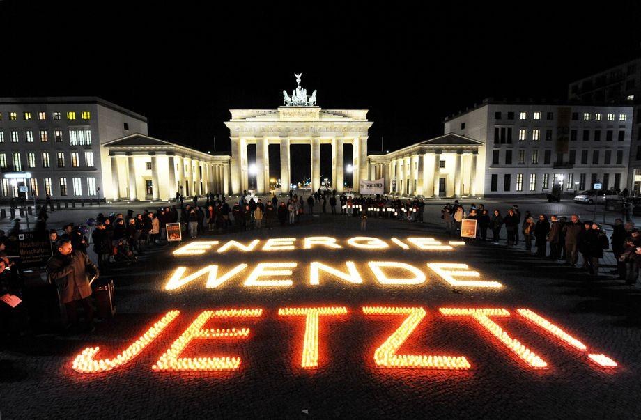 Aktion von Umweltschützern vor dem Brandenburger Tor (2011)