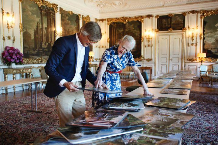 Königin Margrethe mit Regisseur Bille August