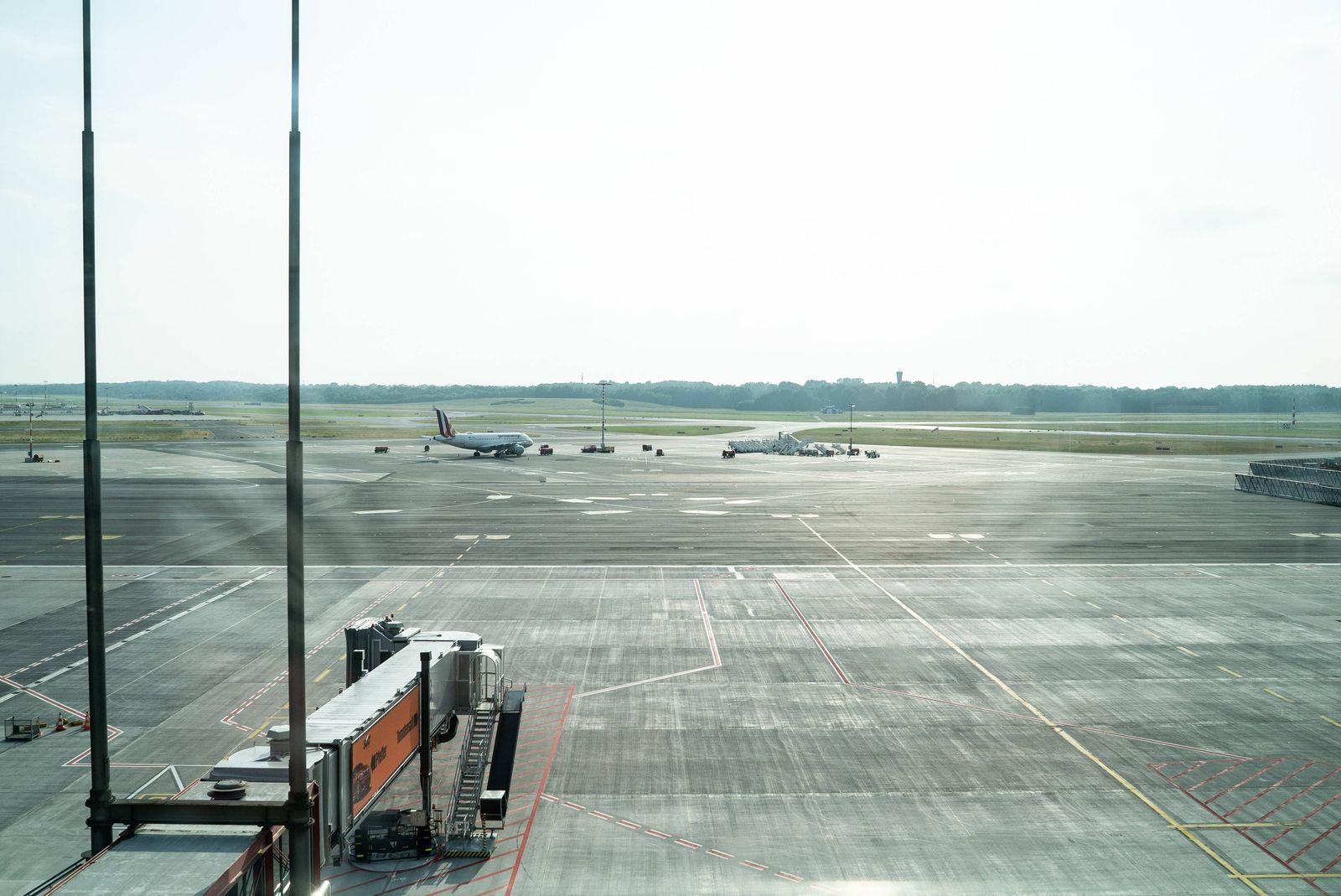 EINMALIGE VERWENDUNG Flughafen / Hamburg