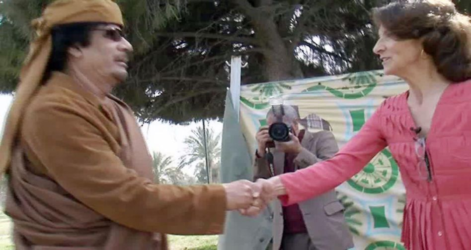 """Libyens Machthaber Gaddafi und RTL-Reporterin Rados beim Interview: """"Sehr gute Position"""""""
