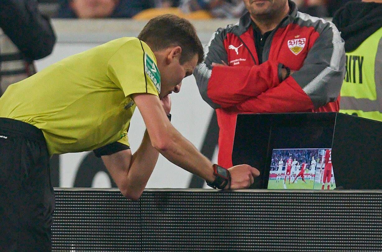 EINMALIGE VERWENDUNG Videobeweis / Bundesliga