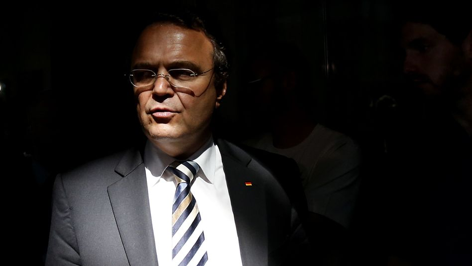 Ex-Innenminister Friedrich: Er ist in arger Erklärungsnot - aber auch die SPD