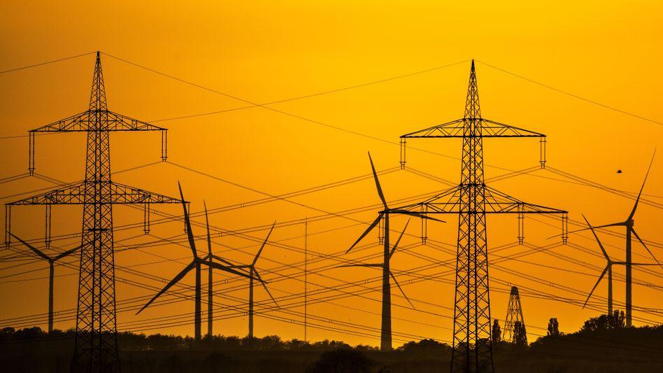 Windräder bei Stommeln in Nordrhein-Westfalen: Das Wetter half beim Ökostromrekord