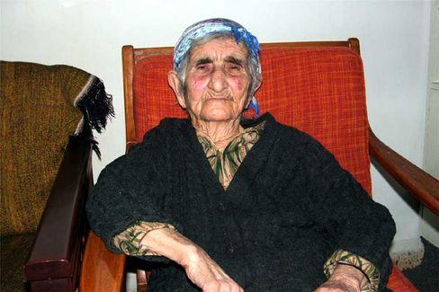 """Yeghsabet Simonian, 106: """"Hochzeitslieder sind gut für die Seele"""""""