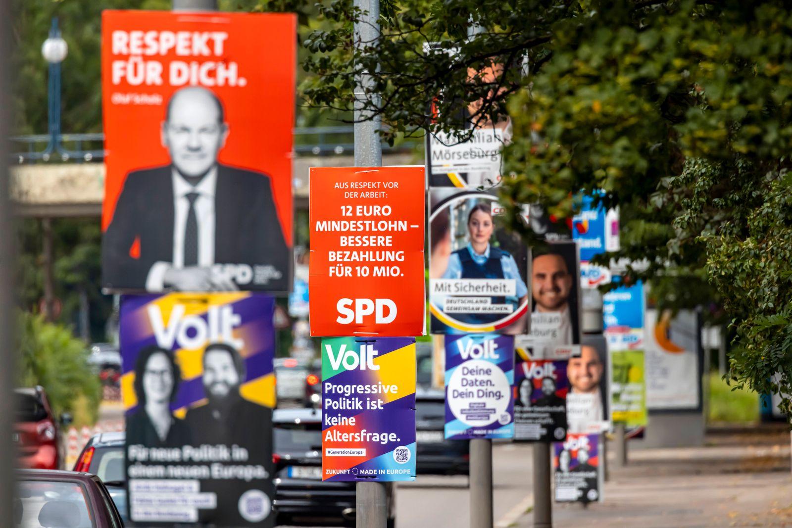 Wahlplakat der Partei SPD zur Bundestagswahl 2021. BTW21. // 17.08.2021: Deutschland, Baden-Württemberg, Stuttgart. ***