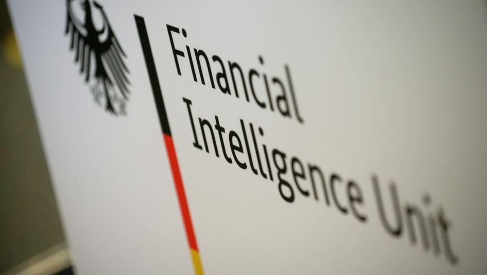 Zoll-Spezialeinheit FIU in Köln: Mangel an Sachkunde, Personal und Ausstattung