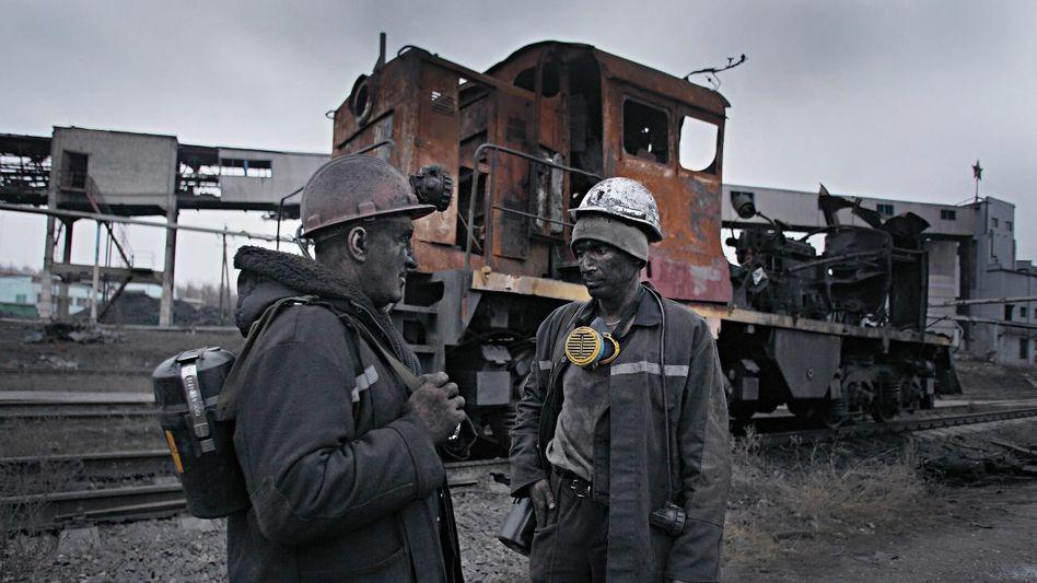 Bergleute im Donbass: 69 von 93 Minen stehen still