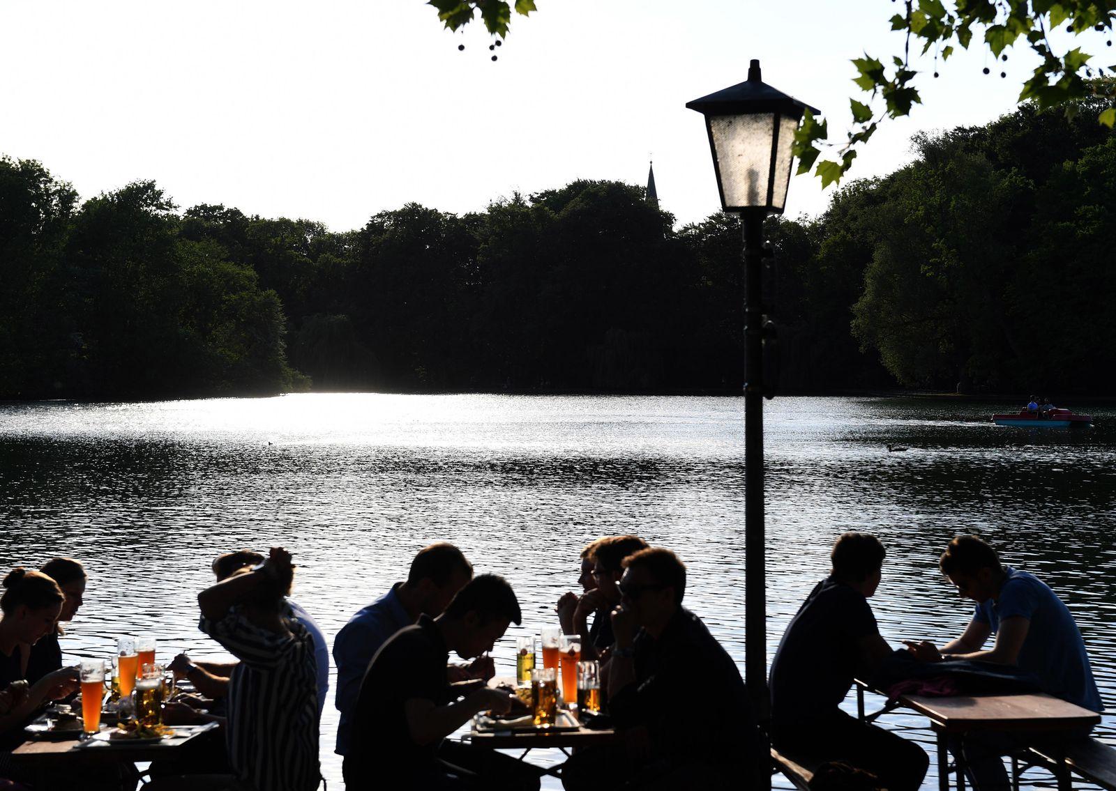 Abendstimmung am Kleinhesseloher See