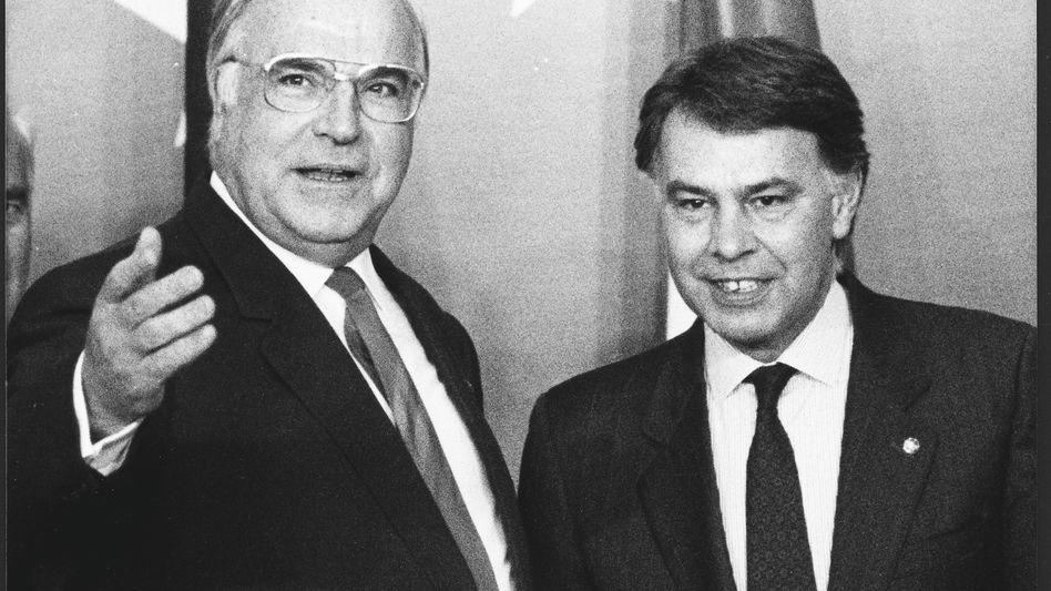Felipe Gonzales mit Helmut Kohl bei EU-Gipfel 1989 in Madrid