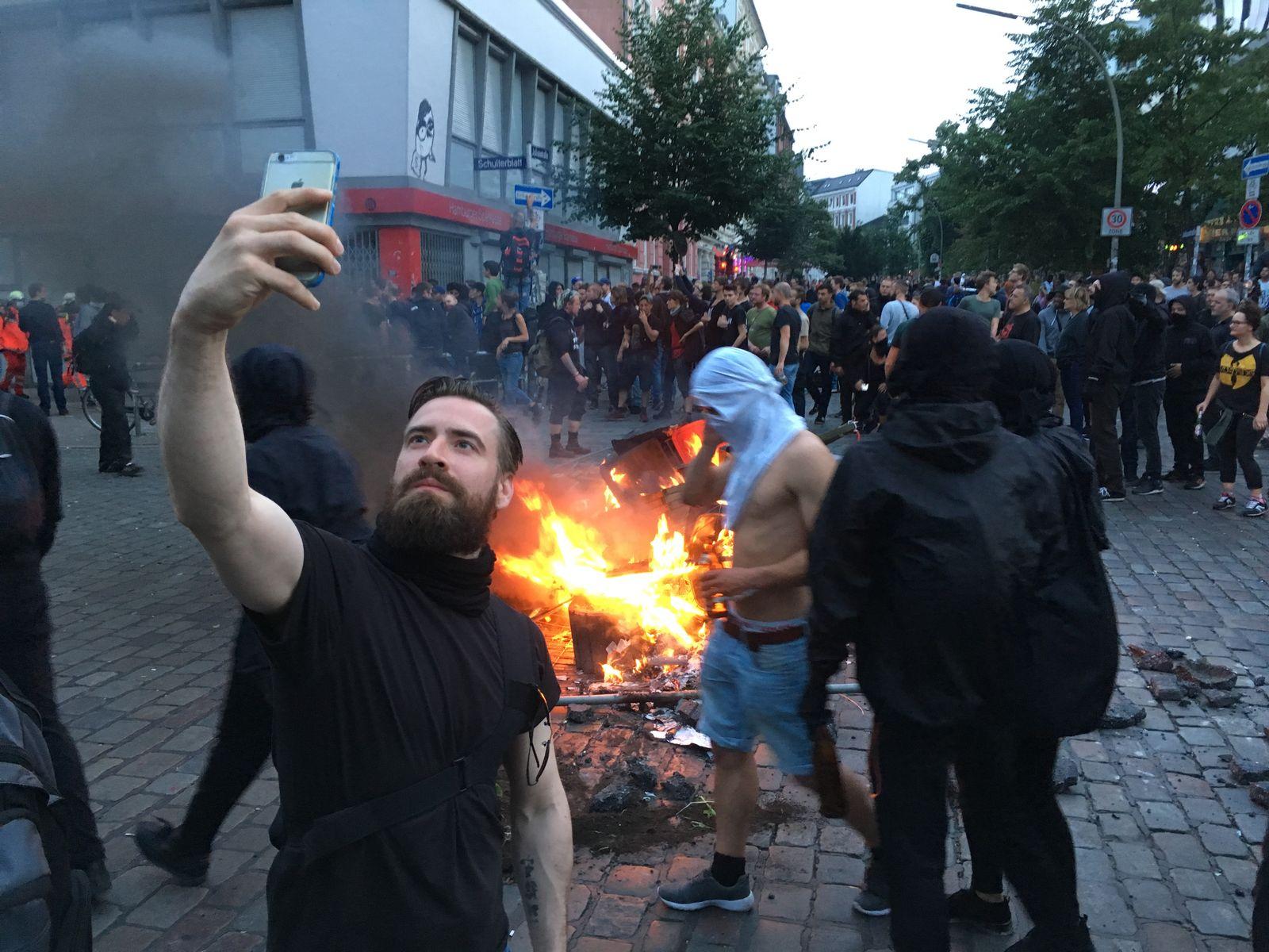 EINMALIGE VERWENDUNG G20/ Krawallen / Selfi