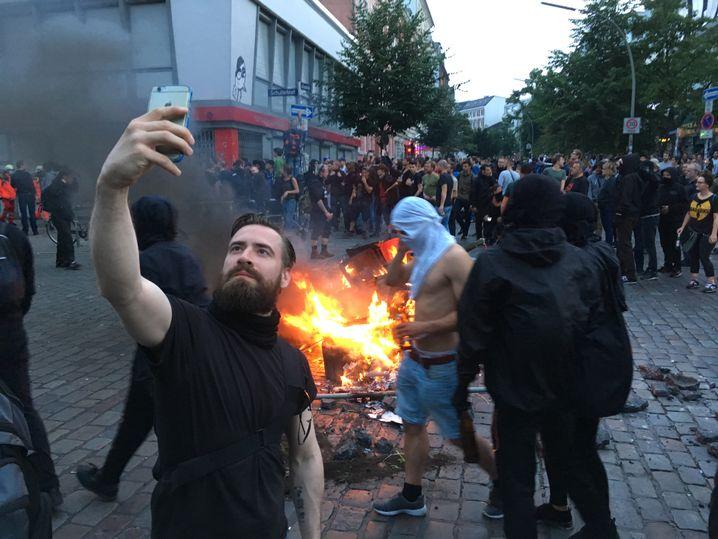 G20 Krawallen Selfie