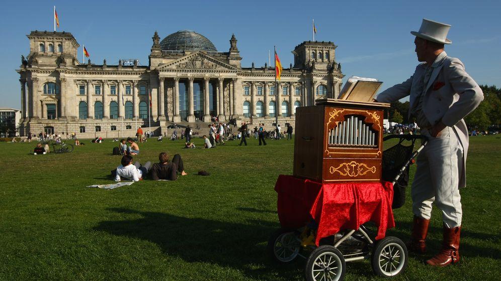 Straßenmusikanten in Berlin: Kein Entkommen