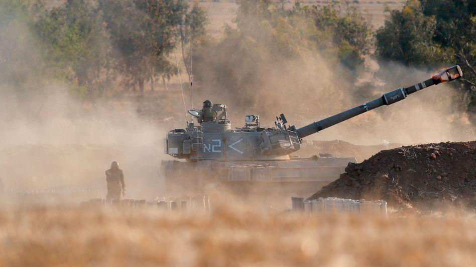 Israelische Artillerie an der Grenze zu Gaza