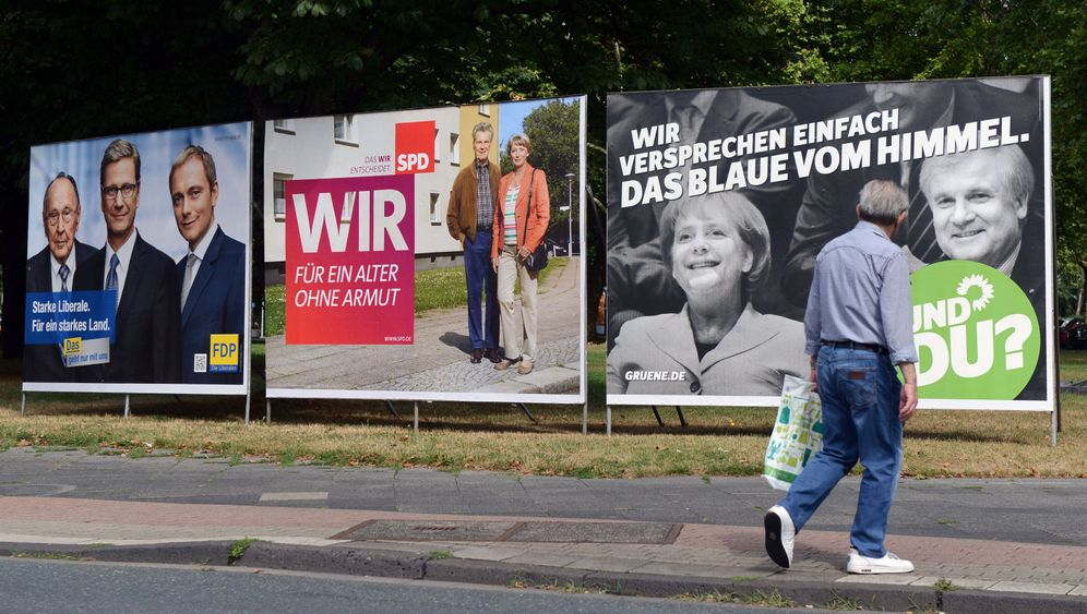 Photo Gallery: Germany Faces Societal Divisions
