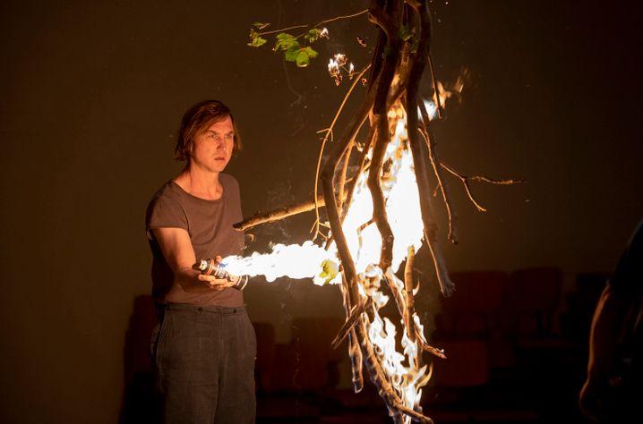 Korthals steckt die Bühne in Brand: der Killer als Theater-Berserker