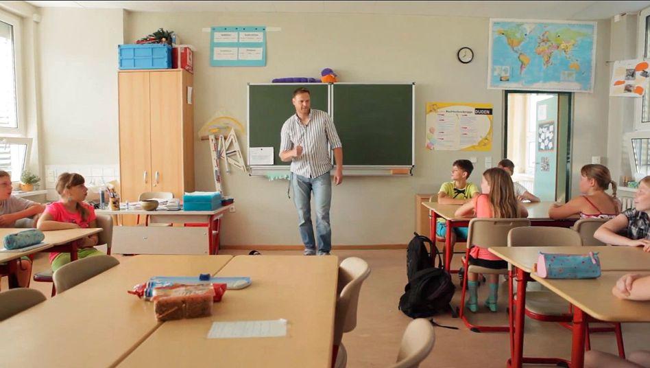 """""""Ein grünes Umfeld mit einer sehr soliden wirtschaftlichen Absicherung"""": Brandenburger Lehrer im Imagefilm"""