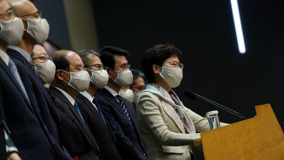 Carrie Lam, die Peking-treue Regierungschefin von Hongkong, will kooperieren