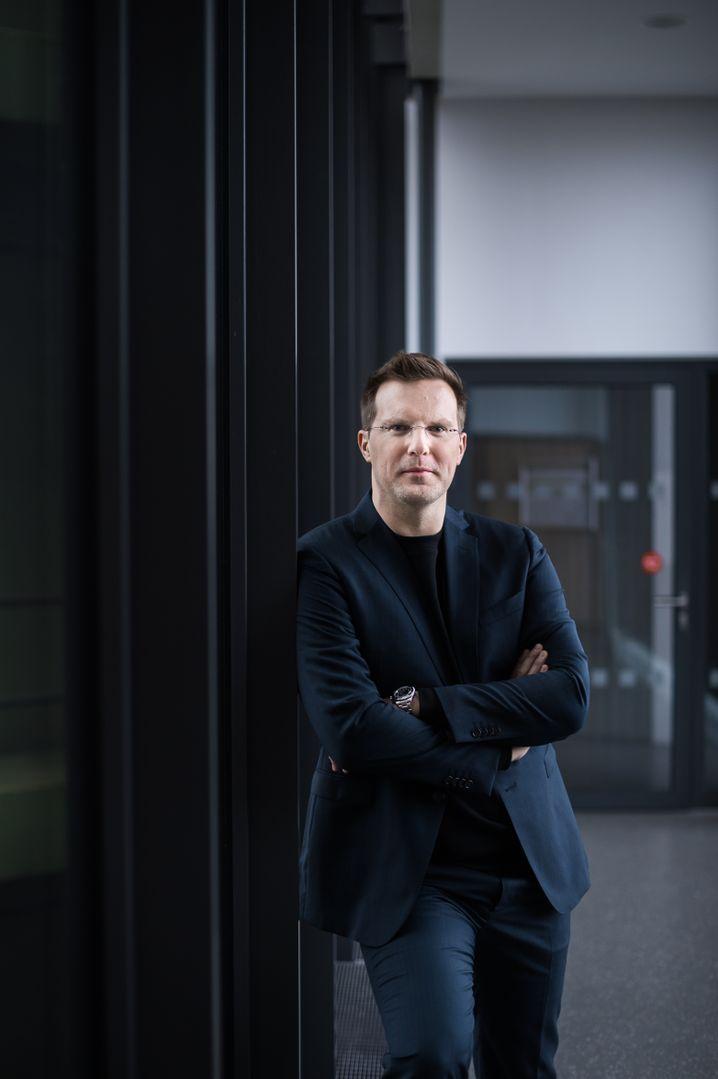 Portrait von Artus Krohn-Grimberghe am 22.01.2018 an der Universitaet Paderborn. Foto: Marcus Simaitis