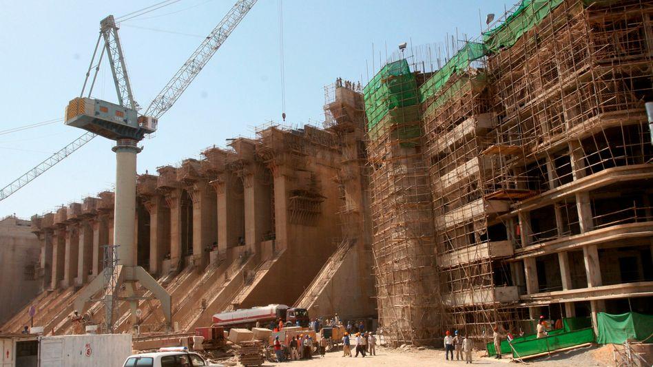 Bau des Merowe-Staudamms im Jahr 2007: Größtes Projekt seiner Art in Afrika