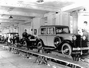 1924 produzierte Opel am Fließband und steigerte damit den Absatz um das Zehnfache