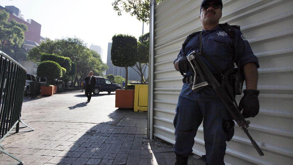 Polizist in Mexiko-Stadt: Tacos ab sofort mit Gemüse ausgleichen
