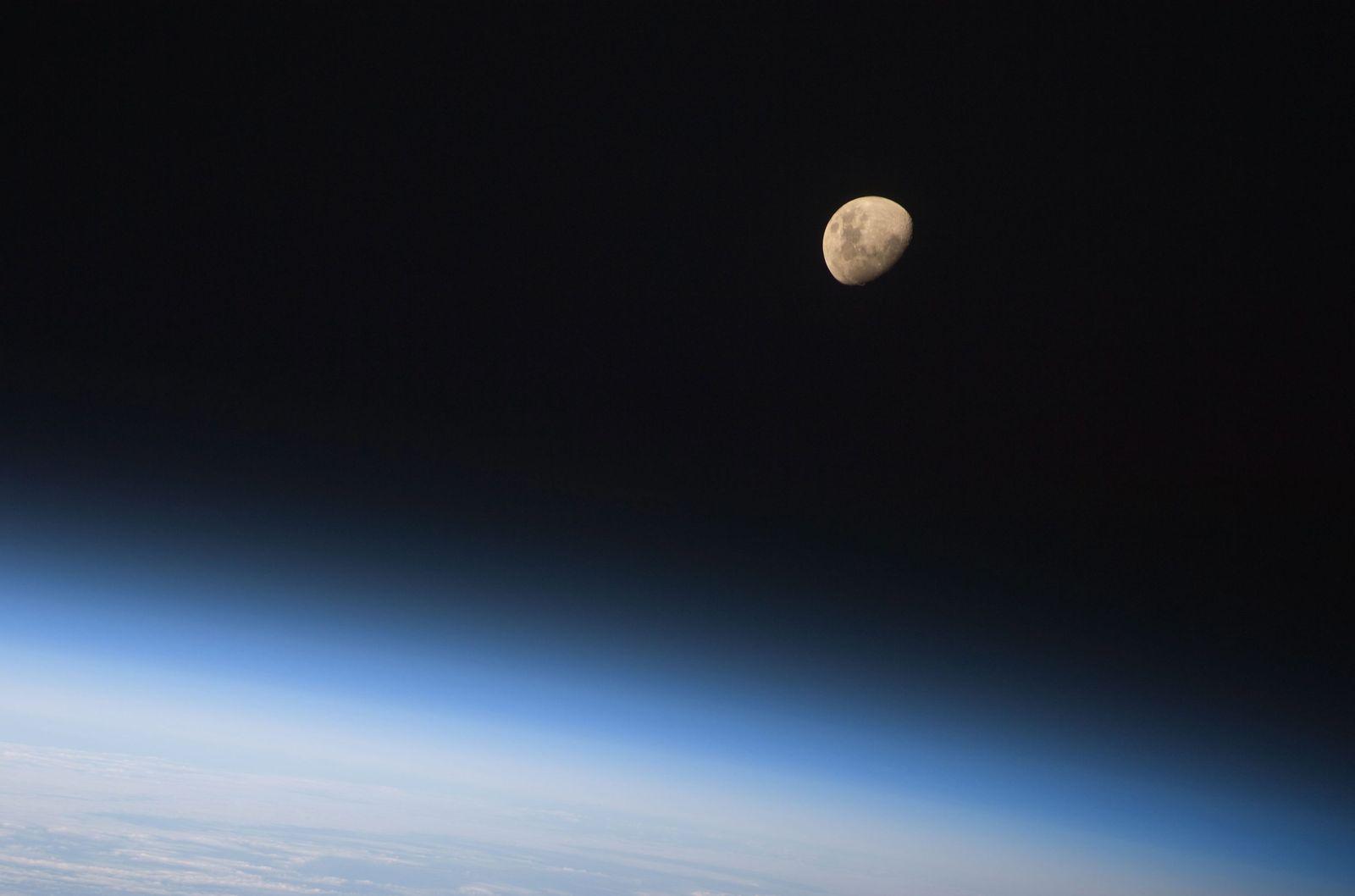 Mond/Erdathmosphäre