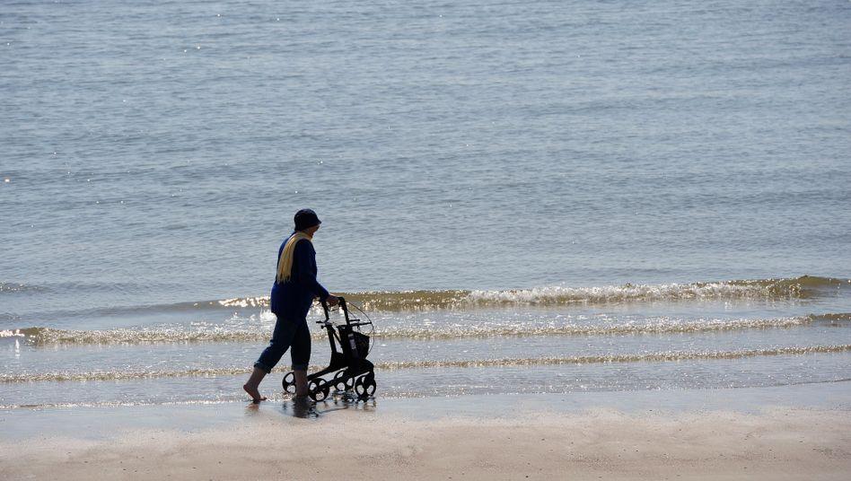 Seniorin auf Norderney: Zwangsrente vor dem Aus?