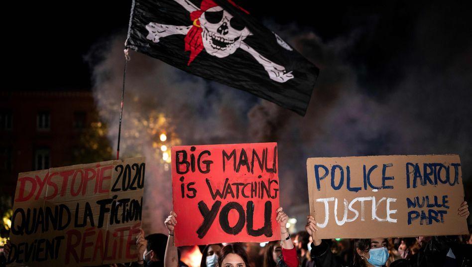 Demonstration in Toulouse gegen ein geplantes Verbot, bestimmte Polizeieinsätze zu filmen